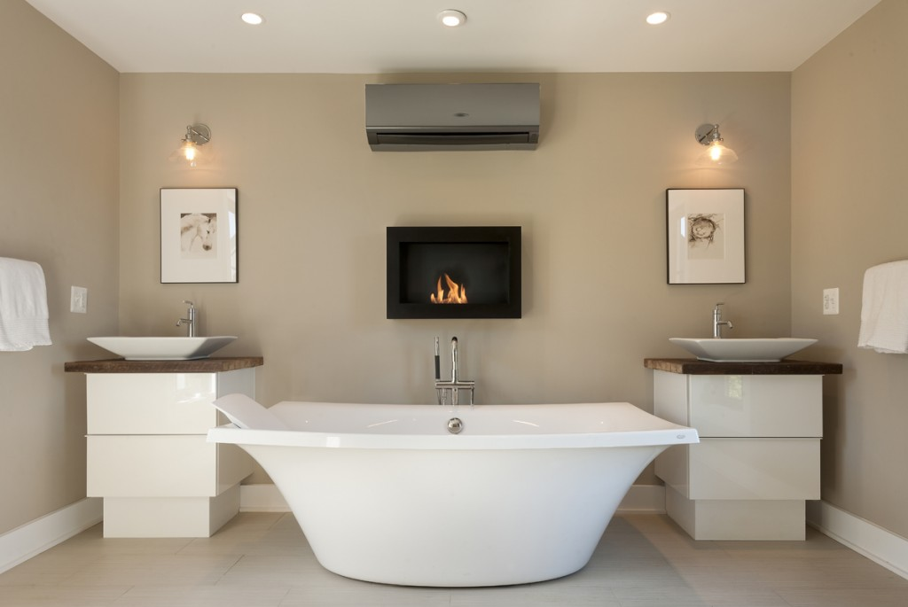 Photograph of the master bath